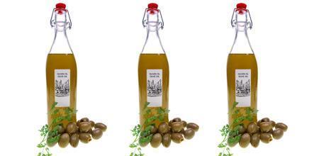 Olivenöl-Flaschen-Etiketten